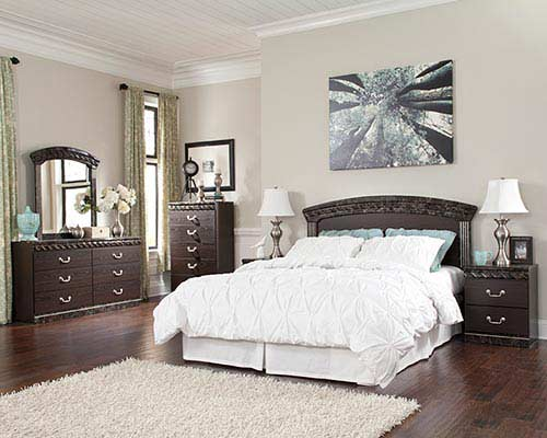 signature-design-by-ashley-vachel-6-piece-queen-bedroom-set